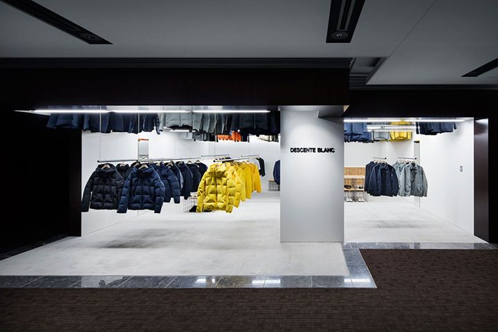 Descente blanc store by schemata architects tokyo japan retail design blog for How to get into interior design without a degree