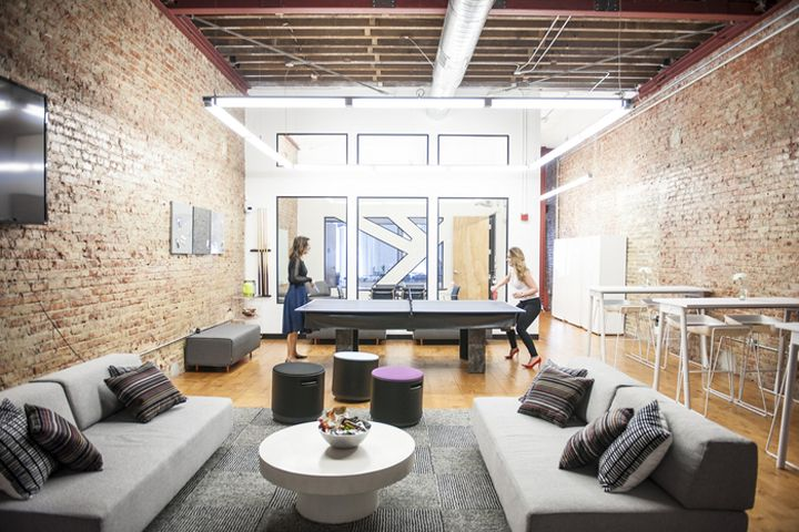 A Design Lifestyle Has Created The New Offices Of Medical Tech Company MedHelp Located In San Francisco California This 7000 Square Foot Office Space