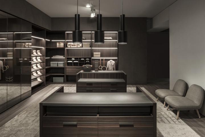Molteni c and dada showroom by vincent van duysen for Peverelli arredamenti
