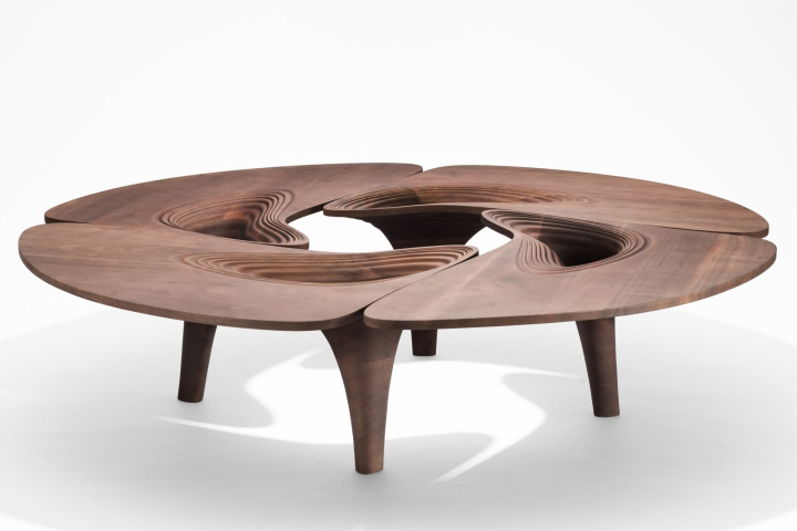 Ultrastellar furniture collection by zaha hadid retail for Furniture collection