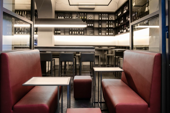 La petrilleria deli shop bistrot by insula studio for Studio design roma