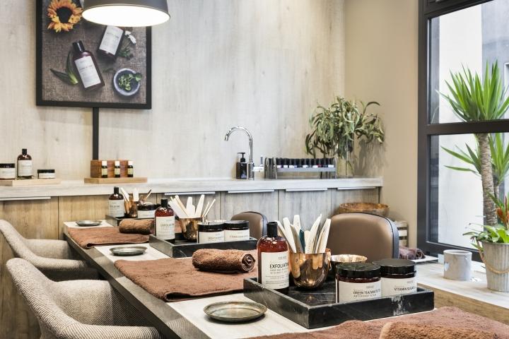 Mahash nail beauty bar by reis design barcelona spain for 20 lounge nail salon