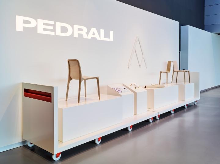 Pedrali showroom by calvi brambilla architetti mornico al serio u italy with interior design bergamo - Interior design bergamo ...