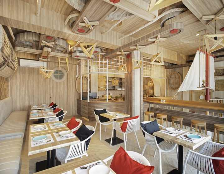 Born whale seafood bar grill by party space design