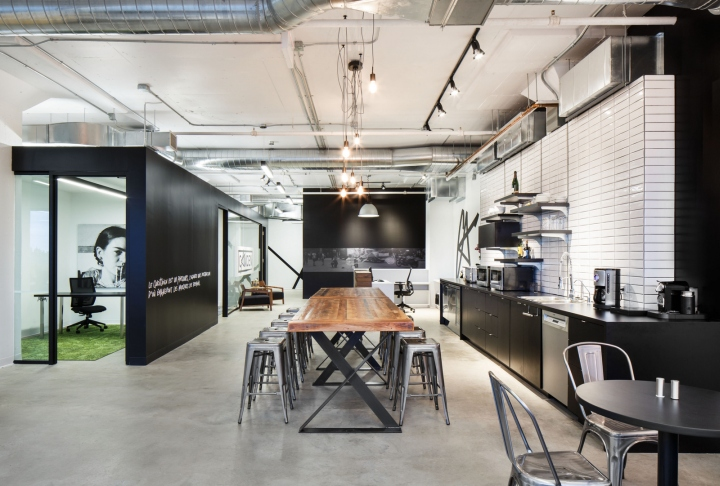 The Challenging Square Shaped Space Was Maximised To Respect Clients Needs And Budget A Black Volume Occupies Center Of