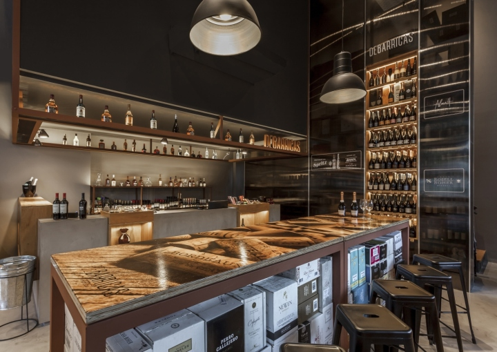 DE BARRICAS wine store by Santiago Chibn and Manuela Bresso, Buenos Aires   Argentina