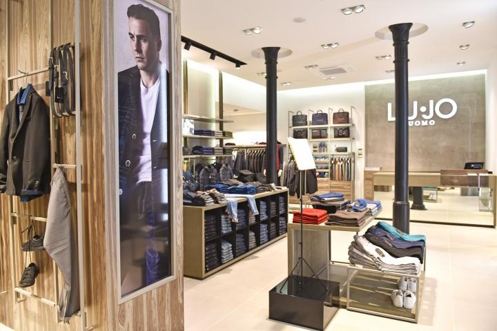 Liu-Jo Uomo premium store by Studio Poiesis, Bologna – Italy ...