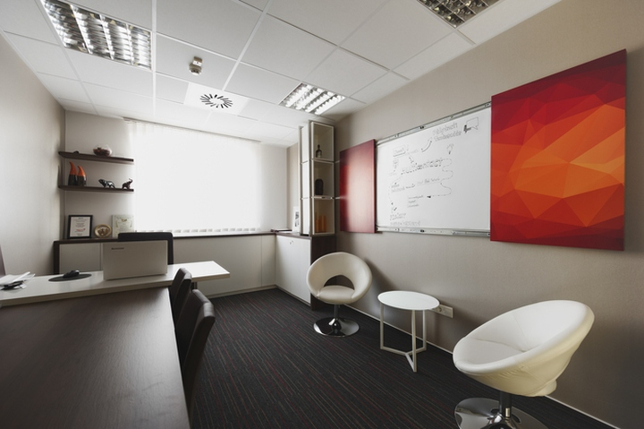 Multicontact Consulting Office by LEVEL UP Office Design, Budapest ...