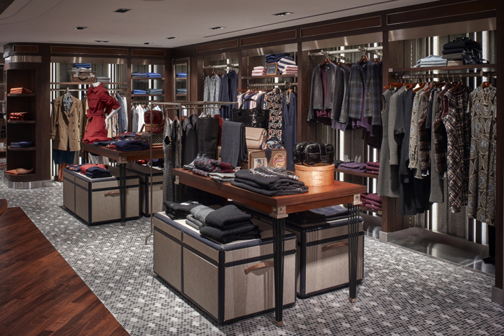 Brooks Fashion Store S