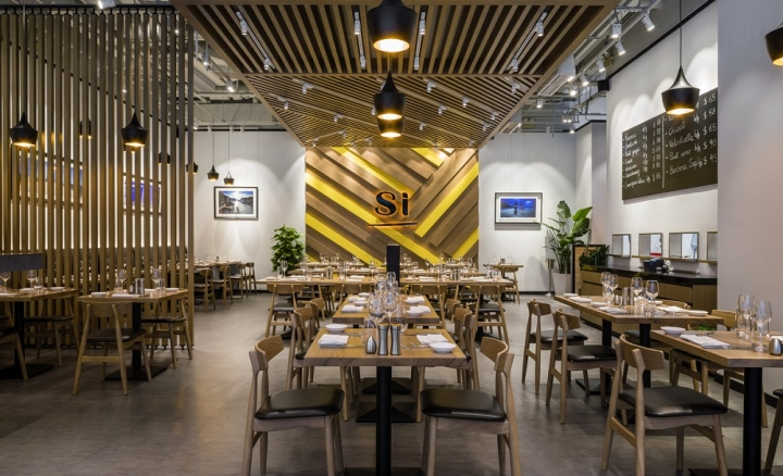 Simply Italian Restaurant By 5 Star Plus Retail Design