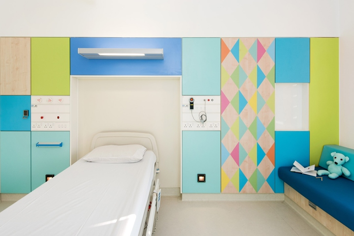 British Designer Morag Myerscough Had To Meet Strict Clinical Regulations Bring Her Bright Colours And Harlequin Prints The Wards Of This Childrens