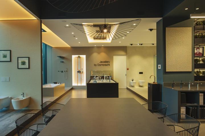 Elegant GDR premium showroom by Natalia Potiomkina Chisinau u Moldova