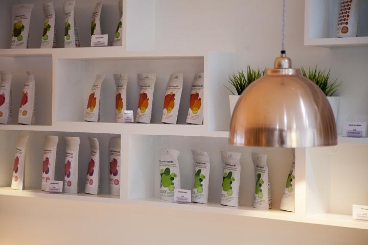 organic kitchen by liqui design essex uk retail design blog. Black Bedroom Furniture Sets. Home Design Ideas
