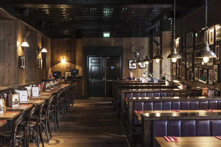 Red dog bar by designlsm nottingham uk retail design