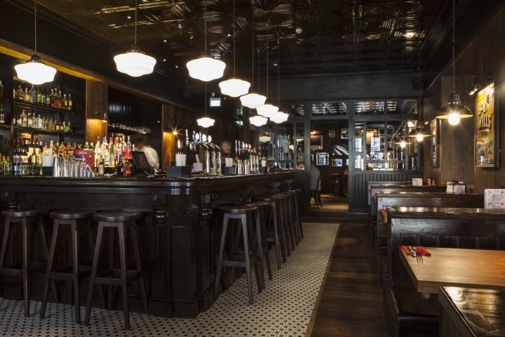 Restaurante inspiración salón americano
