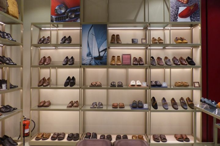 retail store design ideas for shoes ruosh store by frdc bangalore india retail design blog - Retail Store Design Ideas