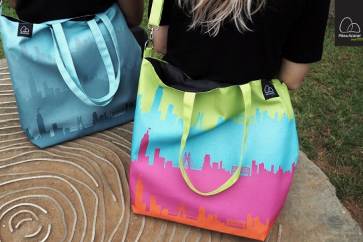 """1fbe2d7d0ad São Paulo, January 2017 – Pão de Açúcar launches a new line of shopping bags  from the collection """"Brazil's tote Bags"""". The products celebrate the  beauties ..."""