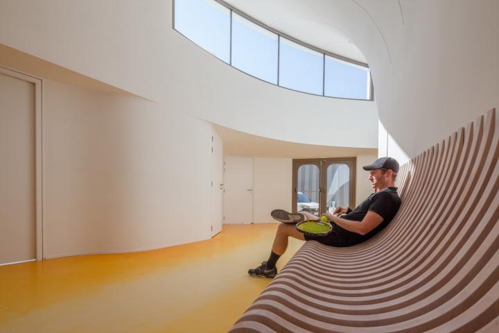 tennis clubhouse by paul le quernec strasbourg belgium retail design blog. Black Bedroom Furniture Sets. Home Design Ideas