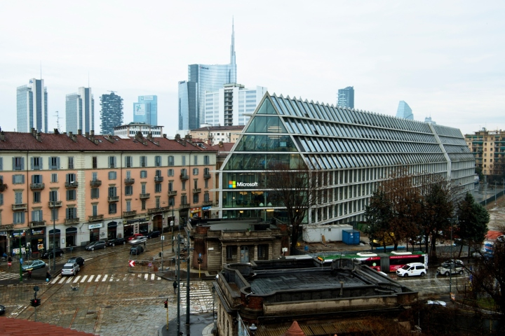 187 Microsoft House Office By Degw Milan Italy