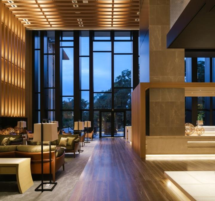 Brasserie restaurant and lounge by kokaistudios kyoto for Design hotel kyoto