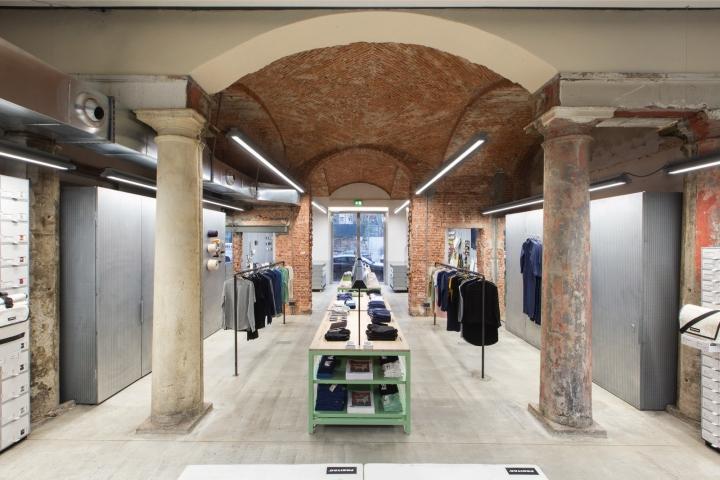 Freitag store milan italy for Store design milano