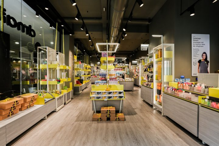 Dmail store by migliore servetto architects milan italy for Store design milano