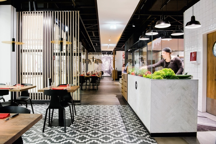 Maredo flagship restaurant by ippolito fleitz group