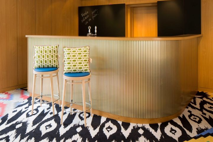restaurant patagona at tierpark berlin by kitzig. Black Bedroom Furniture Sets. Home Design Ideas