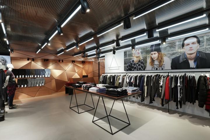 巴黎ELEVENPARIS服装店设计