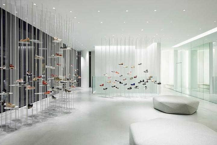 东京 Hills Avenue鞋类旗舰店设计
