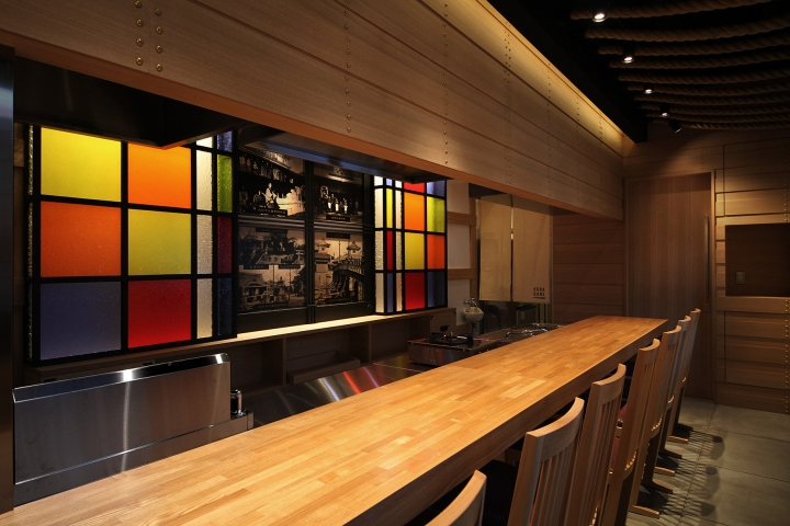 The Color And Materials Used In This Bar Is The One We Can See In The  Traditional Japanese Architecture And Interiors Like Black Wood, White  Paint, ...
