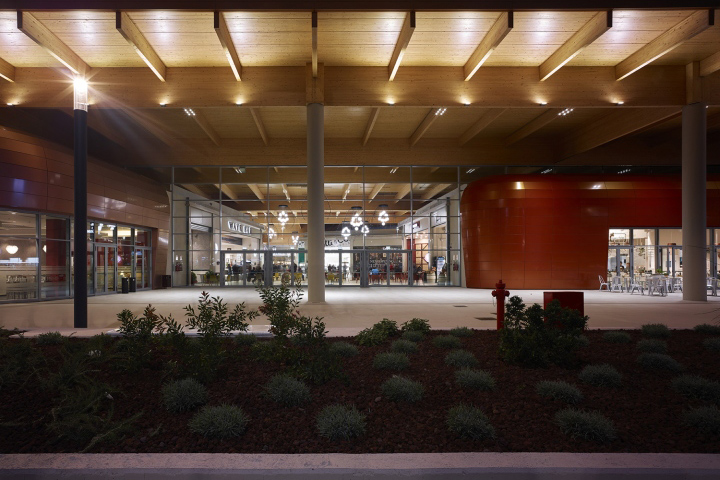 MareM Shopping Mall By INRES And Area 17 Architecture Interiors Grosseto Italy