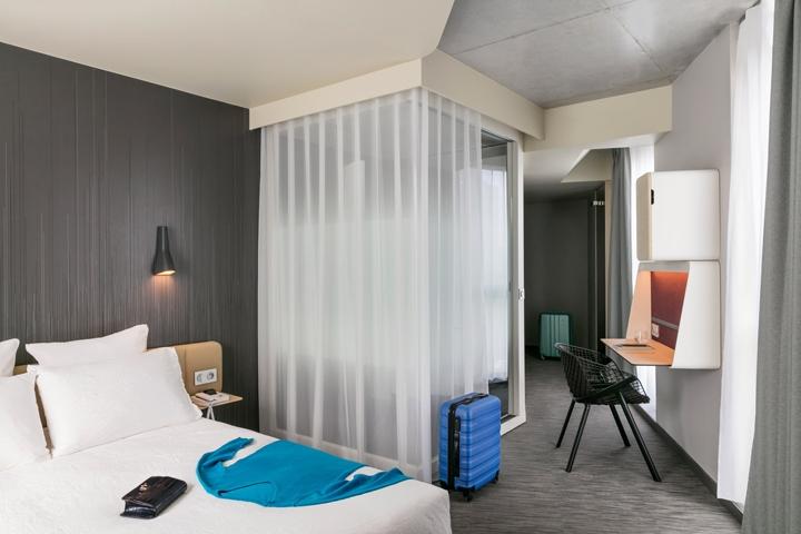 Okko hotel interior by patrick norguet porte de for Hotel porte de versailles