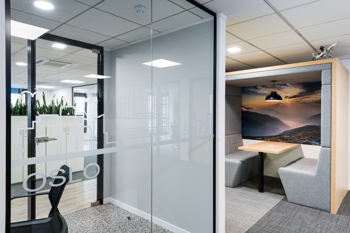 Constructive Space Has Designed The New Offices Of Travel Software Company 15below Located In Brighton England Based Sunny Sea Side Town