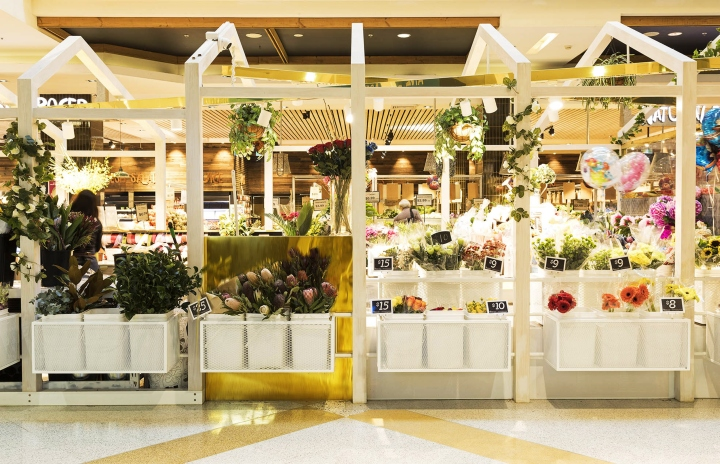 To link the products with this idea, a Flower Pavilion became the concept to this space.