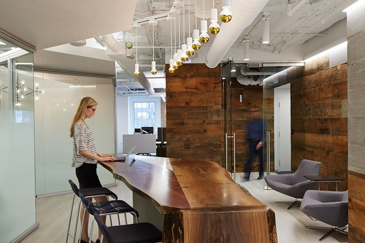 Chicago retail design blog office revolution was ready to firmly establish their new brand with a space that reflected the firms commitment to high quality design malvernweather Images