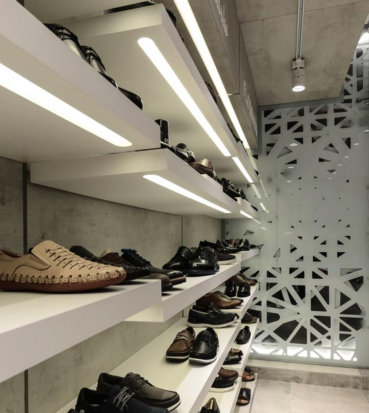 designer regal sendai crystal toyo ito, regal shoes store by nudes, mumbai – india, Möbel ideen