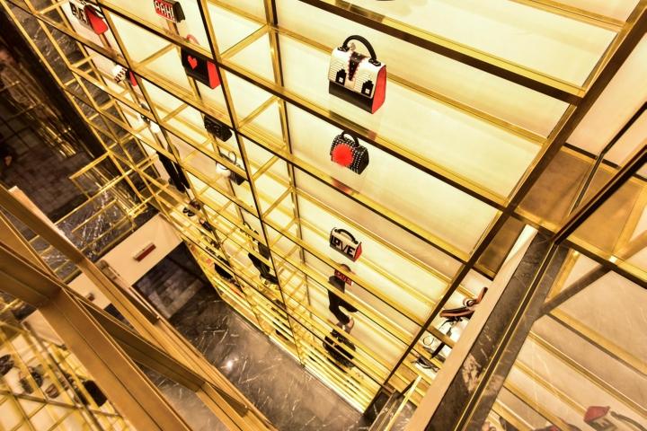Zita fabiani boutique by marco costanzi roma italy for Arredamenti in cartone shop on line