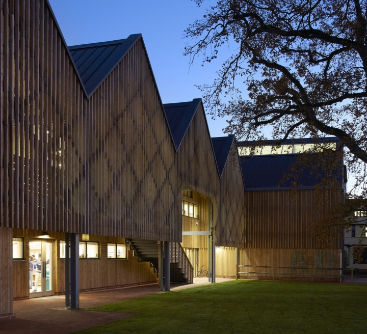 bedales clegg bradley feilden building studios petersfield buildings timber architecture england english village boarding riba south crow hufton larch archdaily