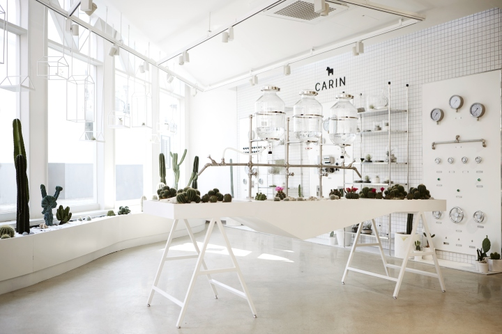 Planterior The Combination Of Plant And Interior Is An Effective Method Eco Friendly Emotionally Appealing Design A New Sunglasses Showroom Has