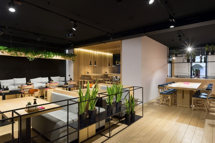 Minimalistic forms with clear geometry a lot of wood in decoration and variety of natural plants are distinctive features of the traditional japanese