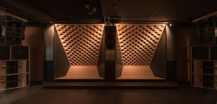 blitz music club by studio knack simon vorhammer munich germany retail design blog. Black Bedroom Furniture Sets. Home Design Ideas