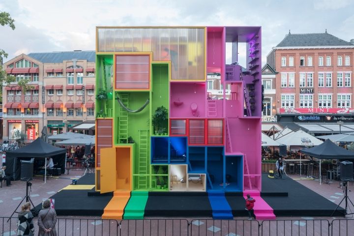 Futuristic hotel by mvrdv at dutch design week 2017 for Design hotel 2017