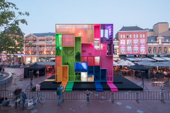 Futuristic hotel by mvrdv at dutch design week 2017 for Design hotel eindhoven