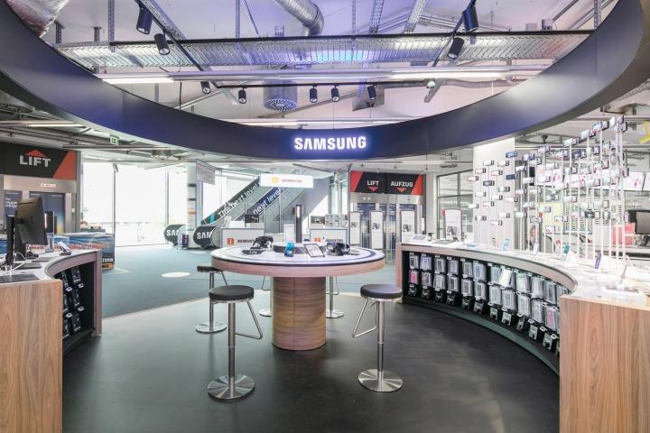 Samsung Shop in Shop Saturn Berlin by Cheil Retail Design