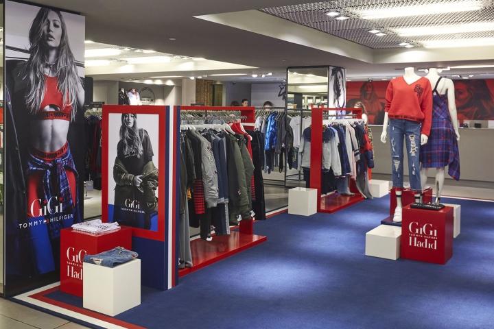 6ed959b8 Tommy Hilfiger x Gigi Hadid fashion displays at London Fashion Week ...