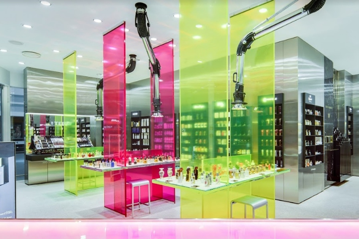 The brief for the 7th store of the world-renowned haute-parfumerie chain  was to design a cutting- edge space in keeping with the surrounding  premises. 6390ad574f497