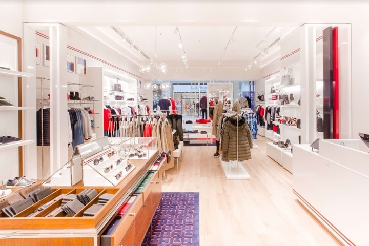 3778c2804 TOMMY HILFIGER Menu People s Place. posted by DFROST Retail Identity ·  fashion store store design