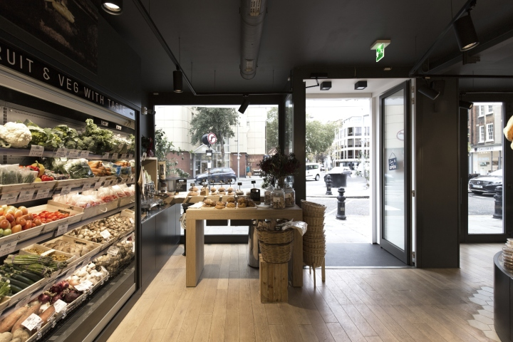 Prezzemolo vitale london store by studio didea afa for Vitale arredamenti