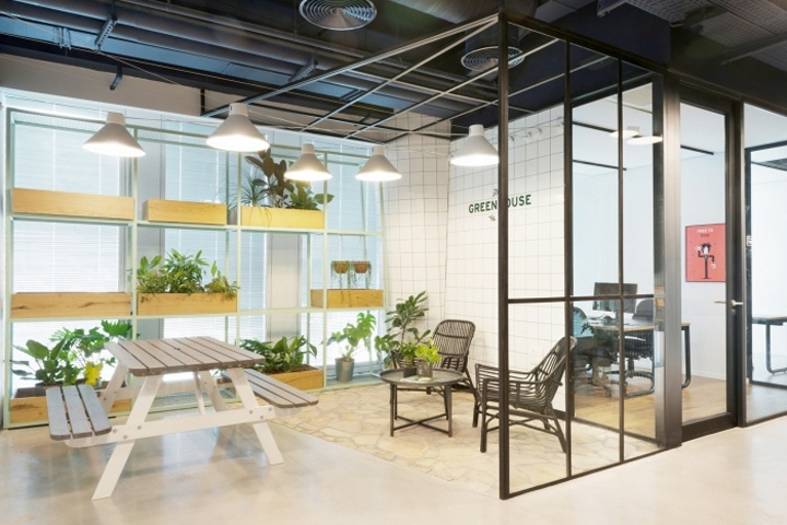 RUST architects designed the offices for technology company ironSource,  located in Tel Aviv, Israel. RUST Architects in collaboration with  Greentectura ... 3b140e1e1d23
